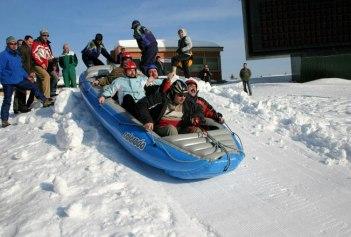 32-snowrafting
